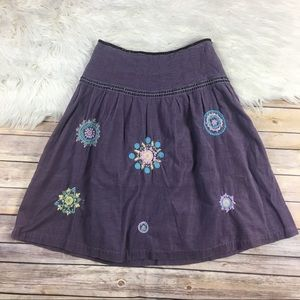 Boden Corduroy Yarn embroidered skirt pleated